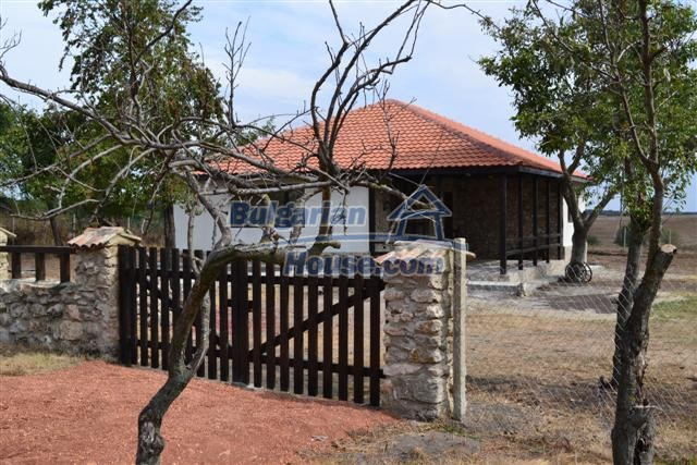 10728:6 - Brick house in a developed village,  20 km from the sea coast