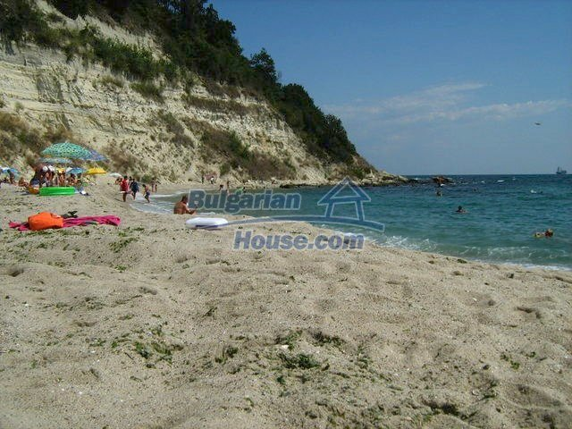 10731:19 - Fully furnished two-storey house with sea view near Varna