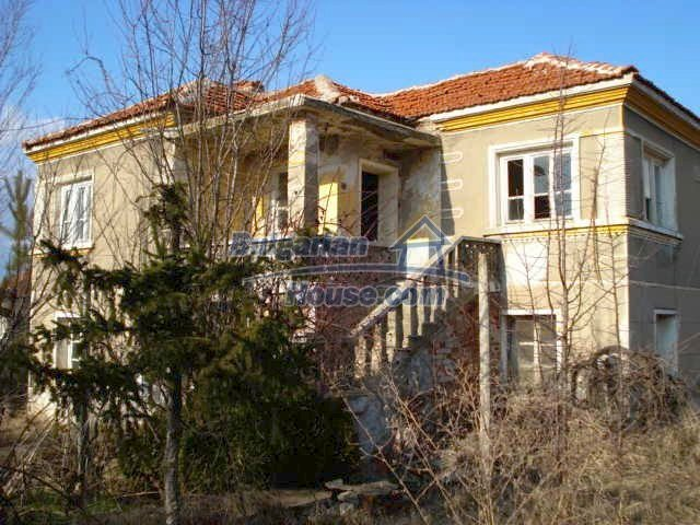 10740:2 - Two-storey house with spacious fruit tree garden near Yambol