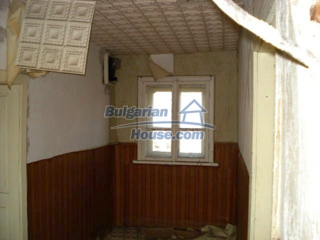 10740:11 - Two-storey house with spacious fruit tree garden near Yambol