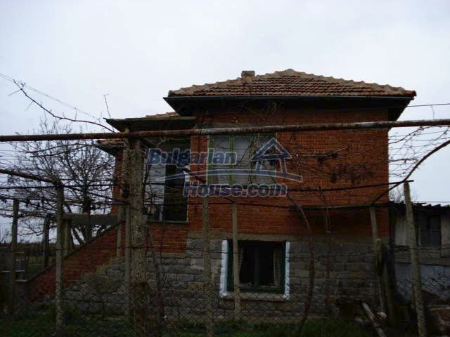 10742:1 - Two-storey house with nicely arranged garden, Elhovo Region