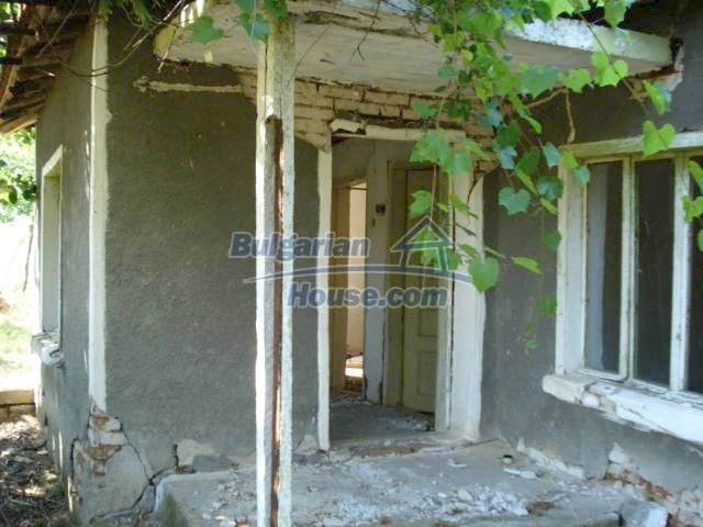 10750:3 - One-storey house in clean rural countryside, Elhovo