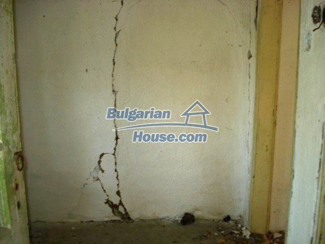 10750:4 - One-storey house in clean rural countryside, Elhovo