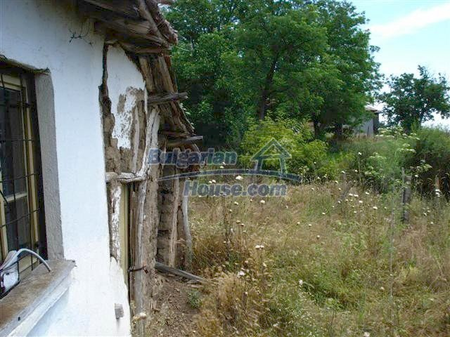 10751:3 - Cheap rural property with a garden near Elhovo