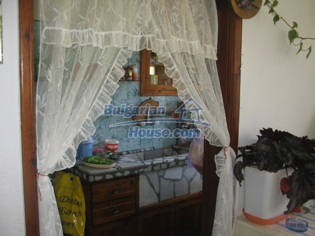10757:5 - Furnished two-storey house with a garden plot, Devin