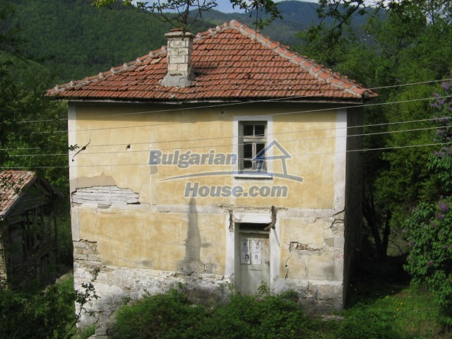 10758:3 - Cheap three-storey house with mountain view near Pamporovo