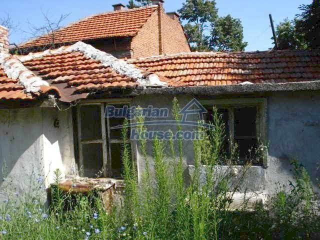 10762:2 - A small house with a nice garden in Yambol