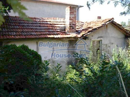 10762:3 - A small house with a nice garden in Yambol