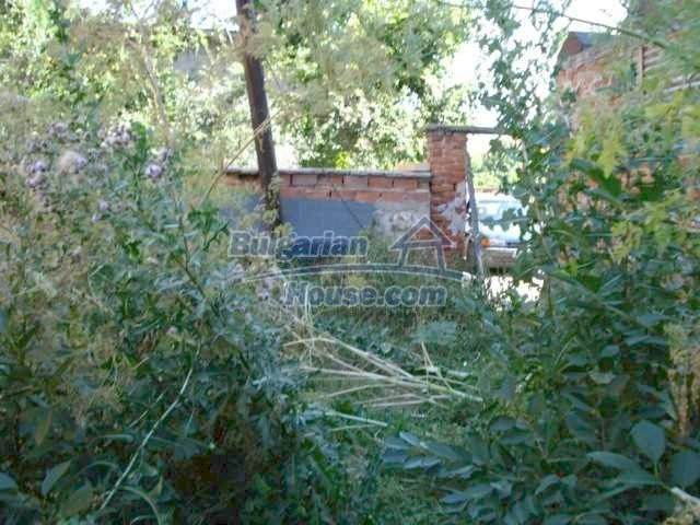 10762:5 - A small house with a nice garden in Yambol