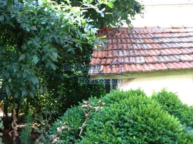 10762:6 - A small house with a nice garden in Yambol