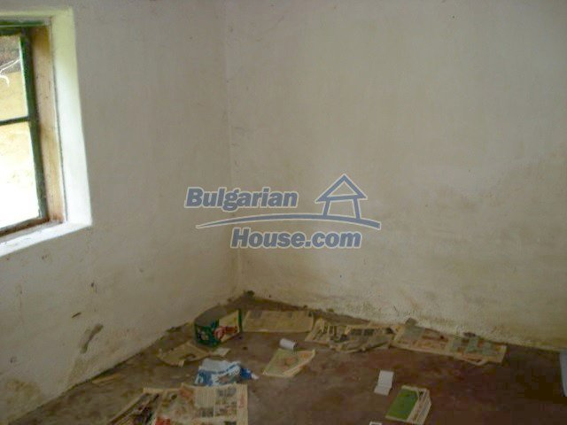 10762:8 - A small house with a nice garden in Yambol