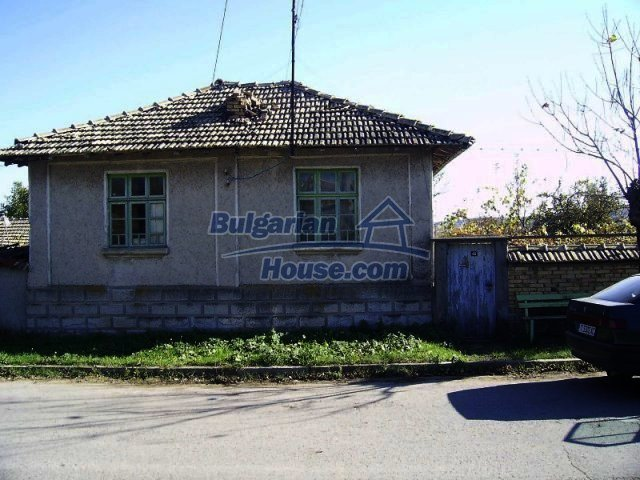 10769:1 - Cozy cheap two-storey rural house, Popovo