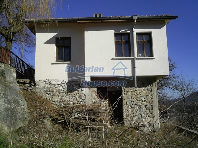10775:1 - Two-storey house on the slope of Rhodope Mountains