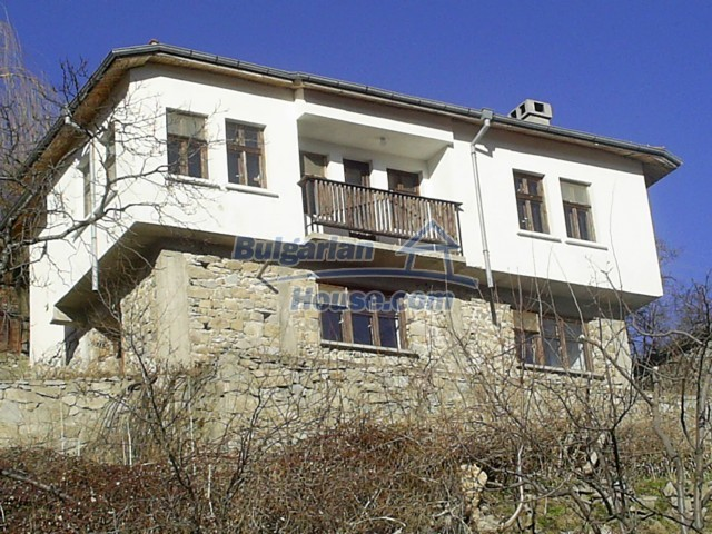 10775:3 - Two-storey house on the slope of Rhodope Mountains