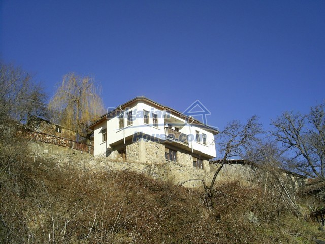 10775:4 - Two-storey house on the slope of Rhodope Mountains