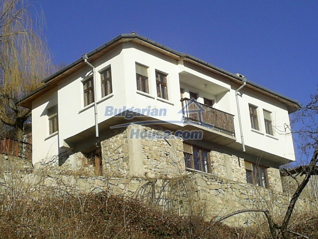10775:5 - Two-storey house on the slope of Rhodope Mountains