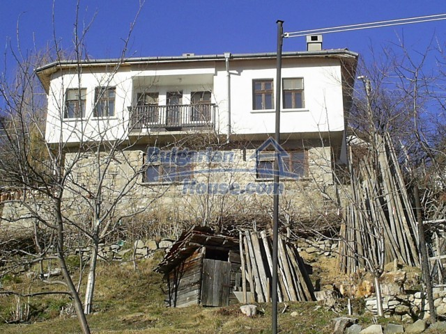 10775:7 - Two-storey house on the slope of Rhodope Mountains