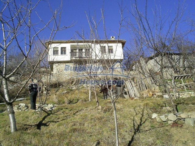 10775:8 - Two-storey house on the slope of Rhodope Mountains