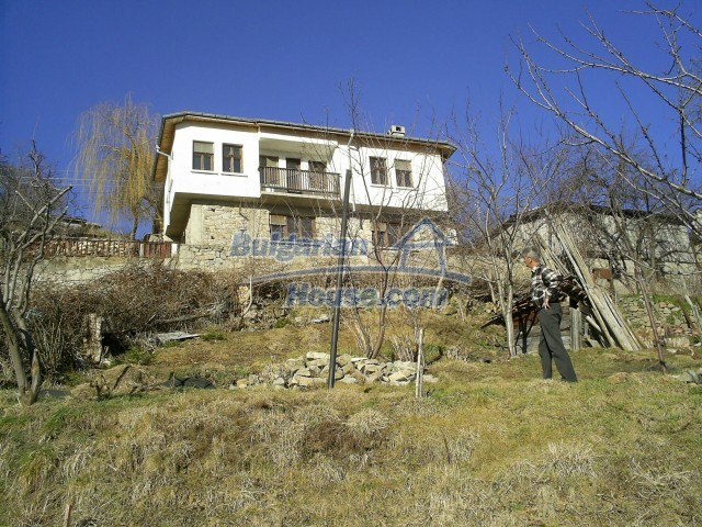 10775:9 - Two-storey house on the slope of Rhodope Mountains