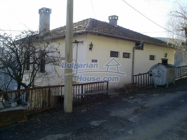 10775:10 - Two-storey house on the slope of Rhodope Mountains