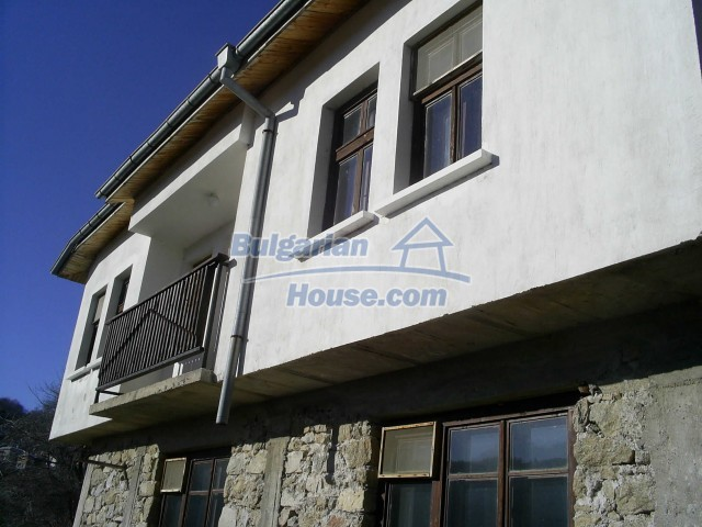 10775:13 - Two-storey house on the slope of Rhodope Mountains