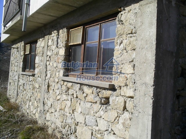 10775:17 - Two-storey house on the slope of Rhodope Mountains