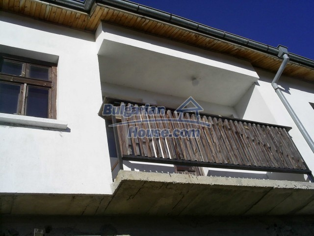 10775:19 - Two-storey house on the slope of Rhodope Mountains