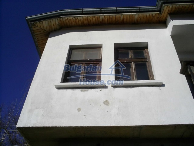 10775:20 - Two-storey house on the slope of Rhodope Mountains