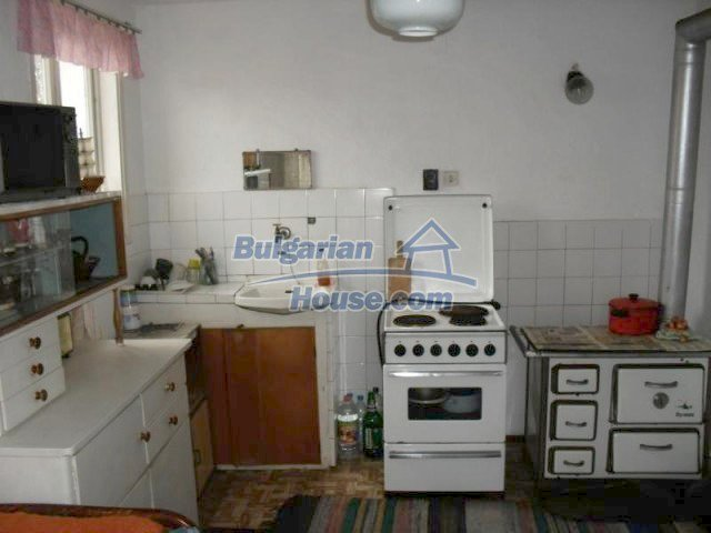 10777:5 - Nice two-storey house with precisely arranged garden near Varna