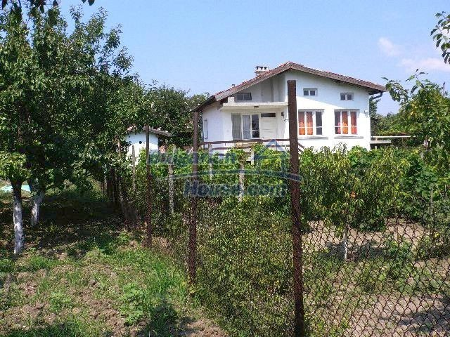 10777:6 - Nice two-storey house with precisely arranged garden near Varna