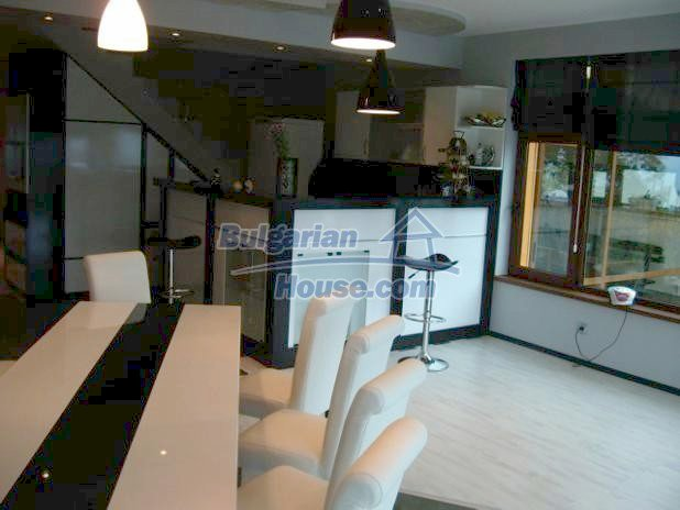 10779:8 - Fully furnished two-storey house with sea view near Albena