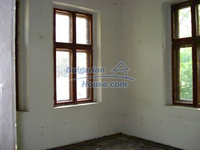 10791:8 - Very well maintained two-storey house in Yambol