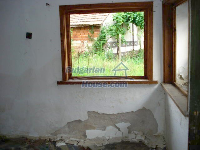 10793:8 - Cheap rural two-storey house with a nice garden, Elhovo region
