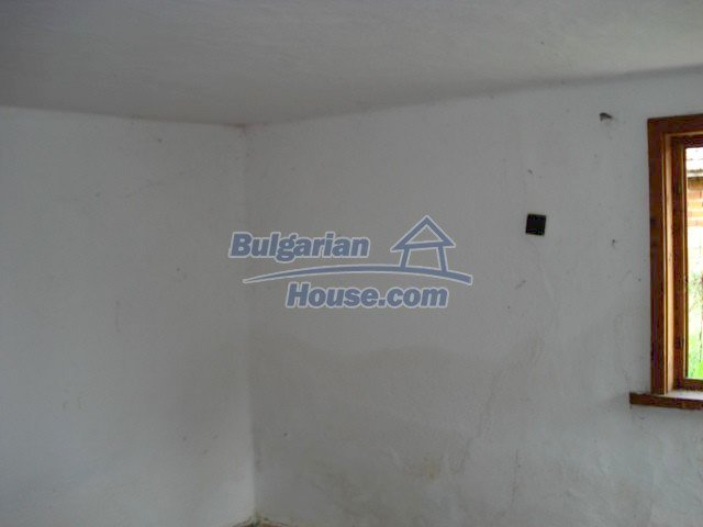 10793:9 - Cheap rural two-storey house with a nice garden, Elhovo region