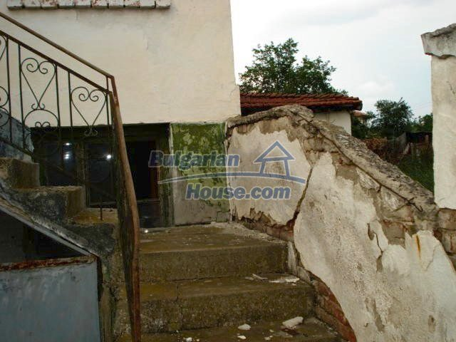 10793:11 - Cheap rural two-storey house with a nice garden, Elhovo region