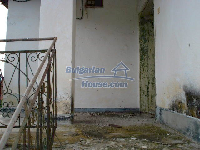 10793:12 - Cheap rural two-storey house with a nice garden, Elhovo region