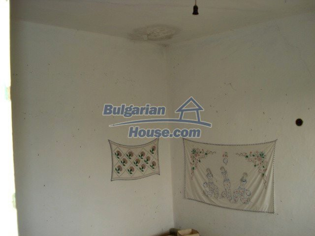 10793:14 - Cheap rural two-storey house with a nice garden, Elhovo region
