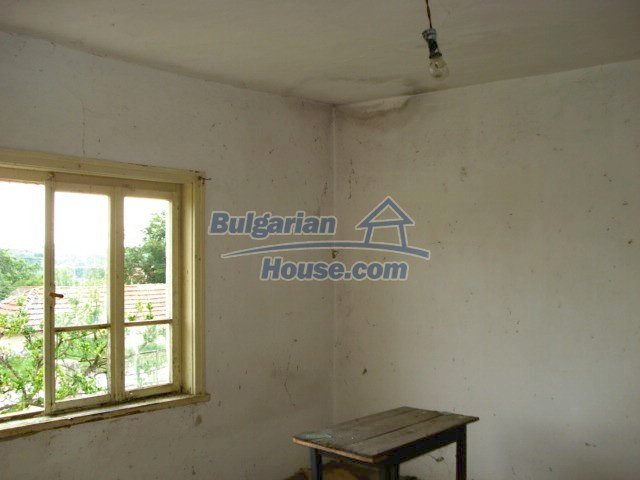 10793:15 - Cheap rural two-storey house with a nice garden, Elhovo region