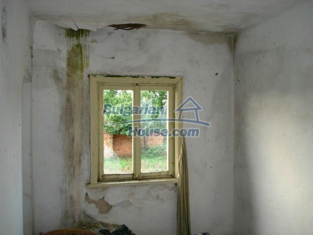 10793:16 - Cheap rural two-storey house with a nice garden, Elhovo region