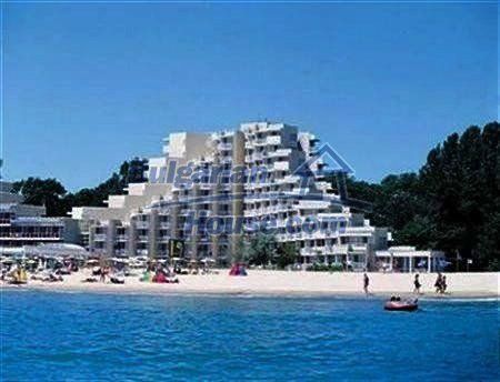 10806:12 -  Compact seaside two-bedroom apartment, Varna