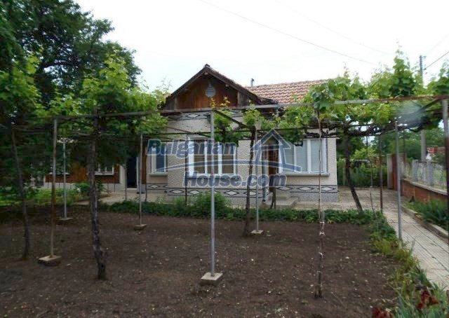10812:1 - Well maintained house with a vineyard near Stara Zagora