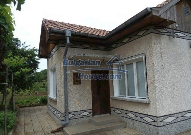 10812:2 - Well maintained house with a vineyard near Stara Zagora