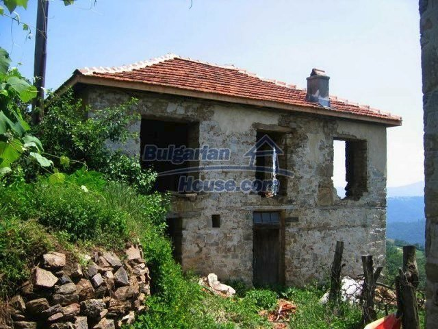 10819:11 - Rural stone-built two-storey house near a ski resort!