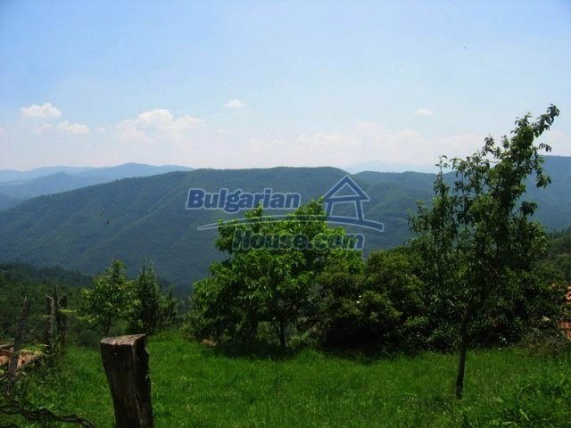 10819:12 - Rural stone-built two-storey house near a ski resort!
