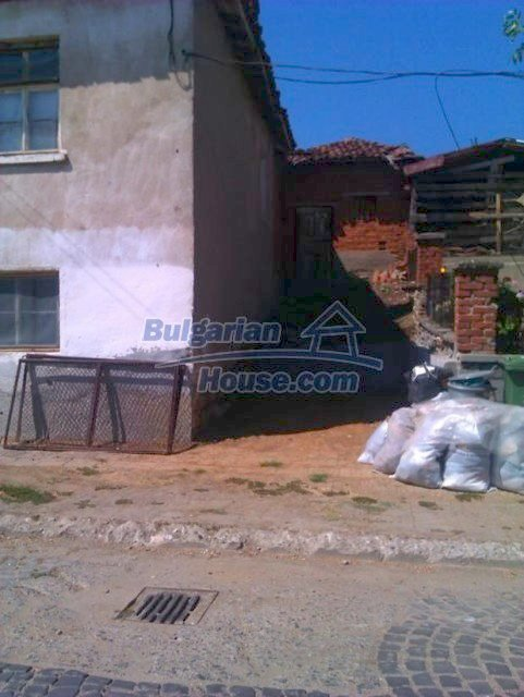 10822:15 - Two-storey house in good condition in Ivaylovgrad town