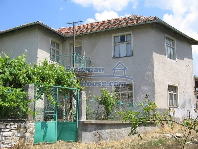 10825:1 - Well maintained stone-built two-storey house,Ivailovgrad region