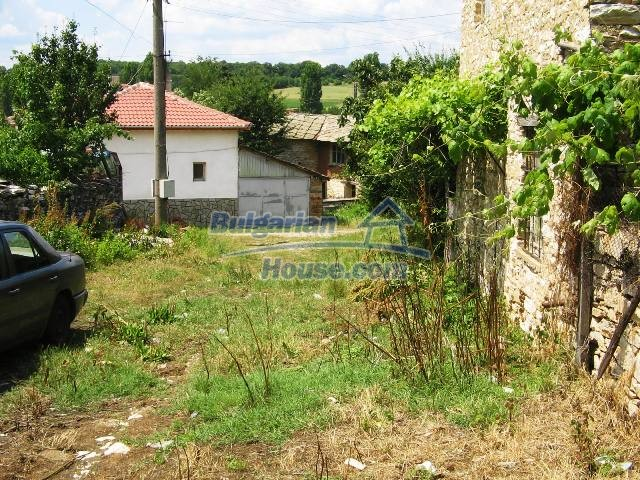 10825:2 - Well maintained stone-built two-storey house,Ivailovgrad region