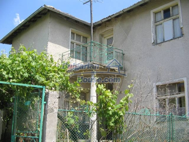 10825:4 - Well maintained stone-built two-storey house,Ivailovgrad region