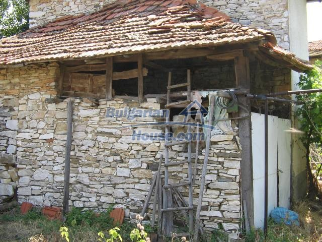 10825:11 - Well maintained stone-built two-storey house,Ivailovgrad region