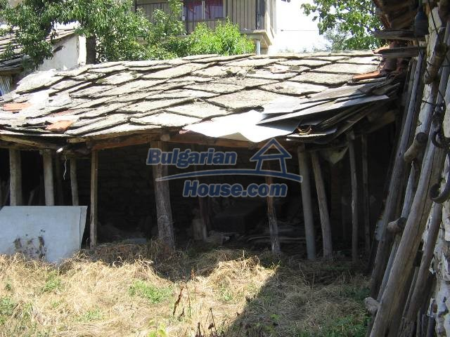 10825:15 - Well maintained stone-built two-storey house,Ivailovgrad region